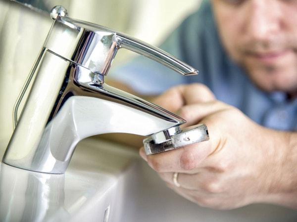 démonter-robinet-fuit
